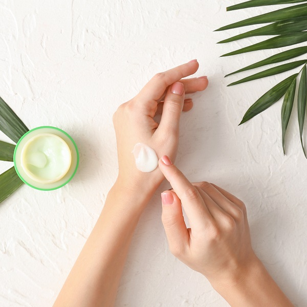 手 基礎化粧品 スキンケア